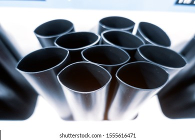 Heat-shrink pipes of increased heat resistance at the stand