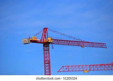 Heavy Construction Cranes