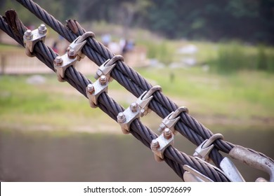 Heavy duty steel wire rope sling with safety .Wire rope end termination.