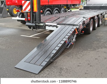 Heavy Equipment Transport Flat Bed Trailer With Loading Ramp