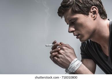 Heavy smoker cannot quit bad habit