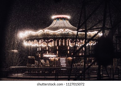 heavy snow at night