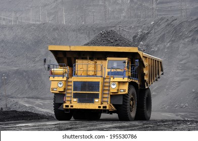heavy-load car, multiton dump truck, coal transportation, breed, ore, pit, section, mine, new technologies,