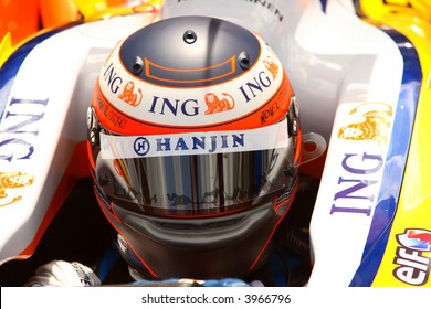 Heikki Kovalainen, racing driver in Formula One car