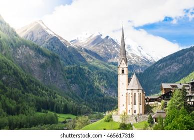 Heiligenblut with GroÃ?glockner, Austria