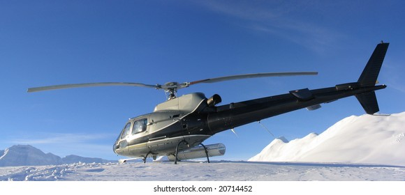 Helicopter Skiing in High Alpine