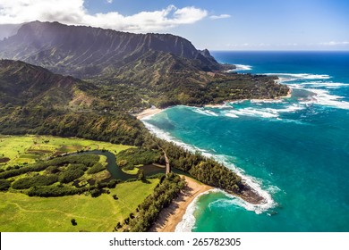Helicopter tour of Kauai, Hawaii