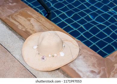 Helmet shell pool vacation