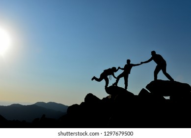 help in mountaineering, support and accomplish together