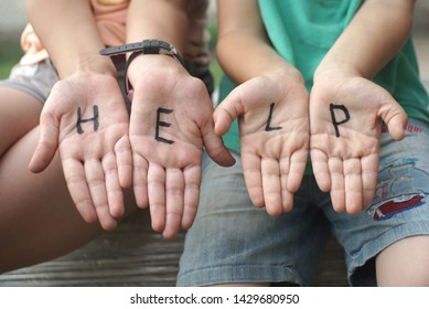 help writing on the palms, help inscription on palms in children