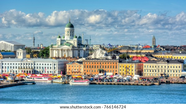 Skyline von Helsinki und Kathedrale von Helsinki, Finnland