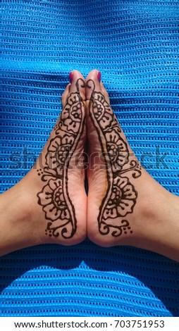 Henna Design Feet Stock Photo Edit Now 703751953 Shutterstock