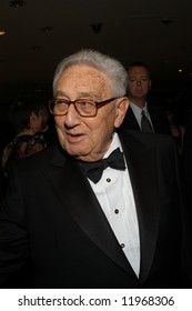 Henry Kissinger arrives at the White House Correspondents' Dinner April 26, 2008 in Washington, DC.
