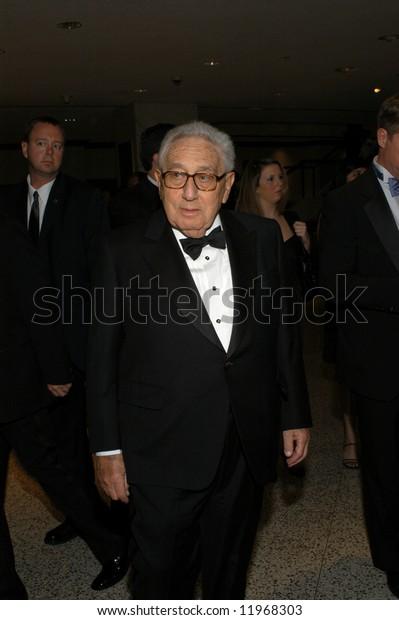 Henry Kissinger arrives at the White House Correspondents' Dinner April 26, 2008 in Washington, DC.