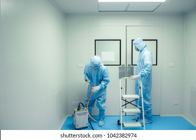 HEPA Filter Leak Test of Technician  Clean room