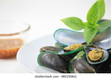 Herb baked mussels Thailand