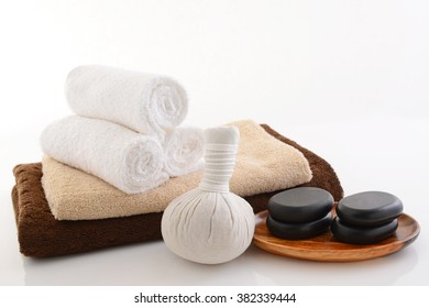 Herb ball with towels