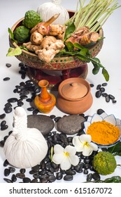 herb spa for body treatment herbal massage ball consist of turmeric, bergamot, lemongrass, galangal and massage stone.