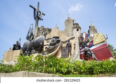 Heritage of Cebu Monument.Its depicts significant moments in Cebu's history start with fatefull fight of April 27, 1521 where native chieftan Lapu-lapu killed Portugese explorer Ferdinand Magellan.