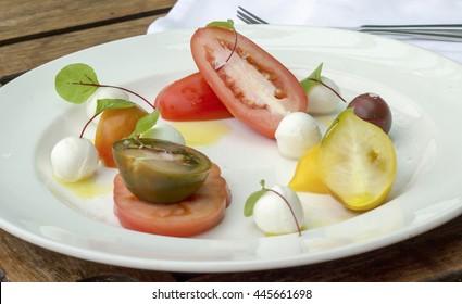 Heritage tomato salad with bocconcini