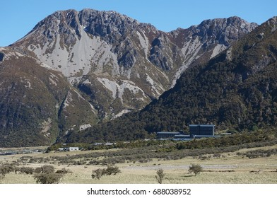 hermitage hotel and mountain