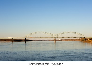 Hernando deSoto bridge over Missippissi river in Memphis, TN