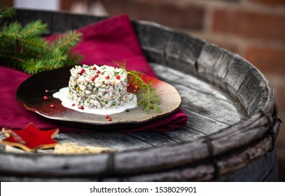 Herring tartar with mayonaise, red pepper and dill