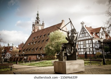 Hevelius' monument and house