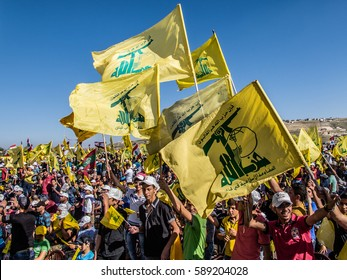 Hezbollah's supporters at Liberation Day (Bint Jbeil, 25 May 2014)