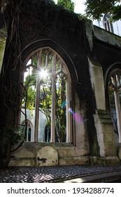 Hidden gem in the heart of London - Saint Dunstan in the East Church Garden