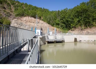 hidroelectric bridge with water
