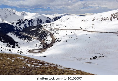 High altitude Loveland Pass Road located close to many hiking trails for 13ers and 14ers in the Rocky Mountains not far from Denver Colorado