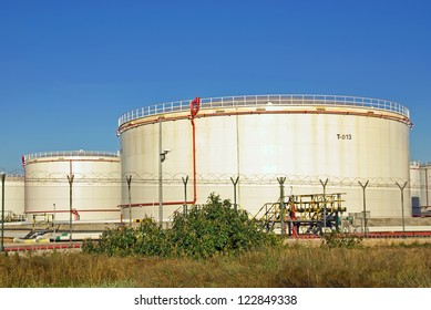 High capacity tanks used for fuel storage