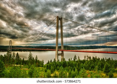 High Coast Bridge (Höga Kusten Bridge) in Sweden, HDR-technique