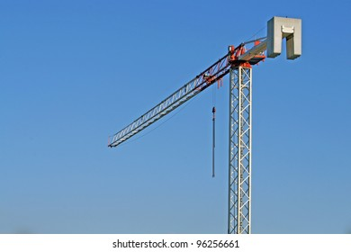 High Crane iron and steel used in the construction of a building at a construction site