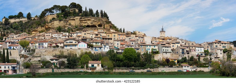 High definition panorama of the village of Cadenet in Luberon - Vaucluse (France)
