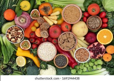 High-Fiber-Gesundheit Nahrung Sammlung mit immunverstärkenden Antioxidantien, Omega 3, Vitamine & Protein mit niedrigem Gi. Konzept der gesunden Ernährung, um hohen Blutdruck zu senken, Cholesterin & die Optimierung eines gesunden Herzens