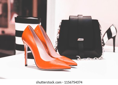 High heels and Women's handbags  Show for sale in a department store.Selective focus