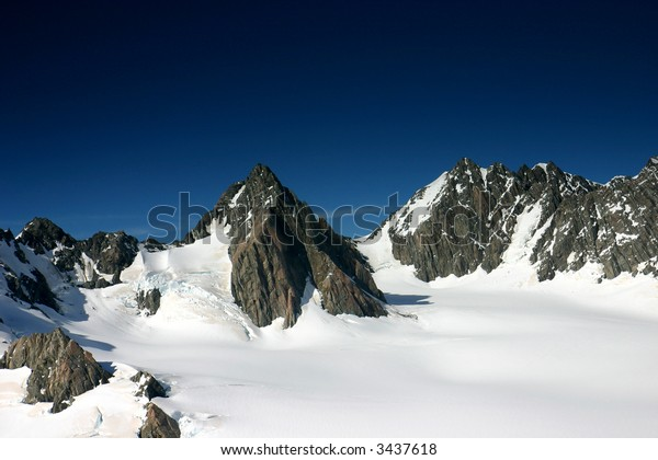 High mountain range with snow – New Zealand - Southern Alps