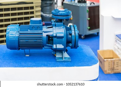 High pressure Centrifugal blue pump include motor on table