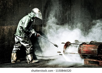 High pressure cleaning in the chemical industry