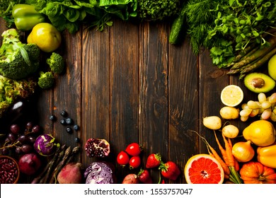 High quality vegetables and fruits flat-lay in circle