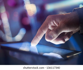 high resolution hand touching digital tablet