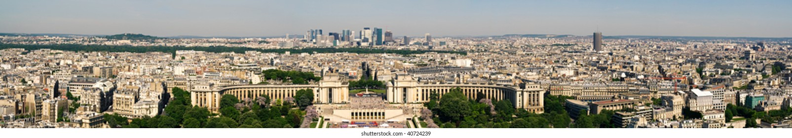 High resolution panorama of Paris from the Eiffel Tower. La Defense and  Palais de Chaillot in the center