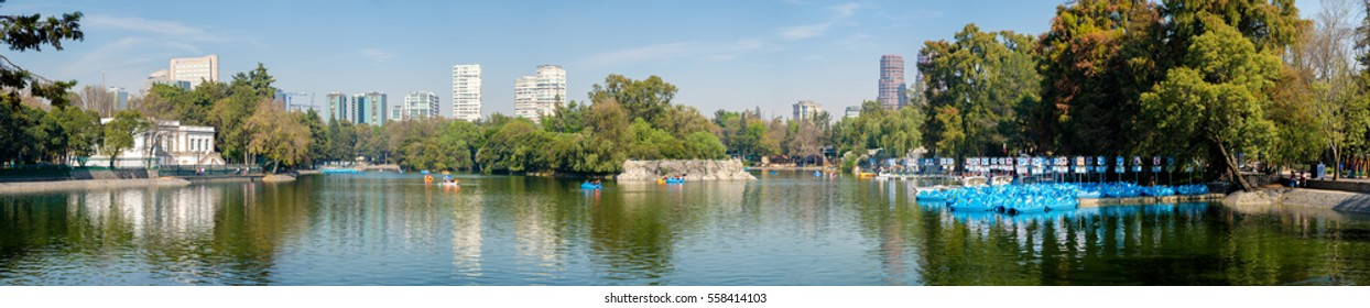 High resolution panoramic view of the lake at Chapultepec Park in Mexico City