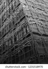 High tech facade in Rue Rivoli Paris France | Modern steel frame facade | Reinterpretation of an art nouveau pattern in a high tech steel modern facade in Paris | Ministry of Culture  Rue Saint Honoré