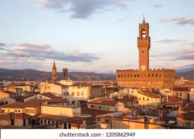 High viewpoint over Florence Town Hall.