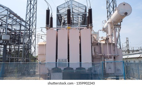 High voltage transformer and metering unit
