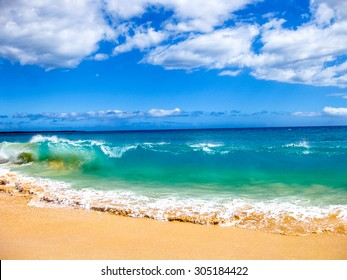 High waves of the famous Big Beach in summer, Makena State Park in Maui, Hawaii, United States.