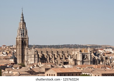 A high-angle view of the Cathedral of Toledo, one of the most important gothic cathedrals in Spain. Construction started in the thirteenth century.